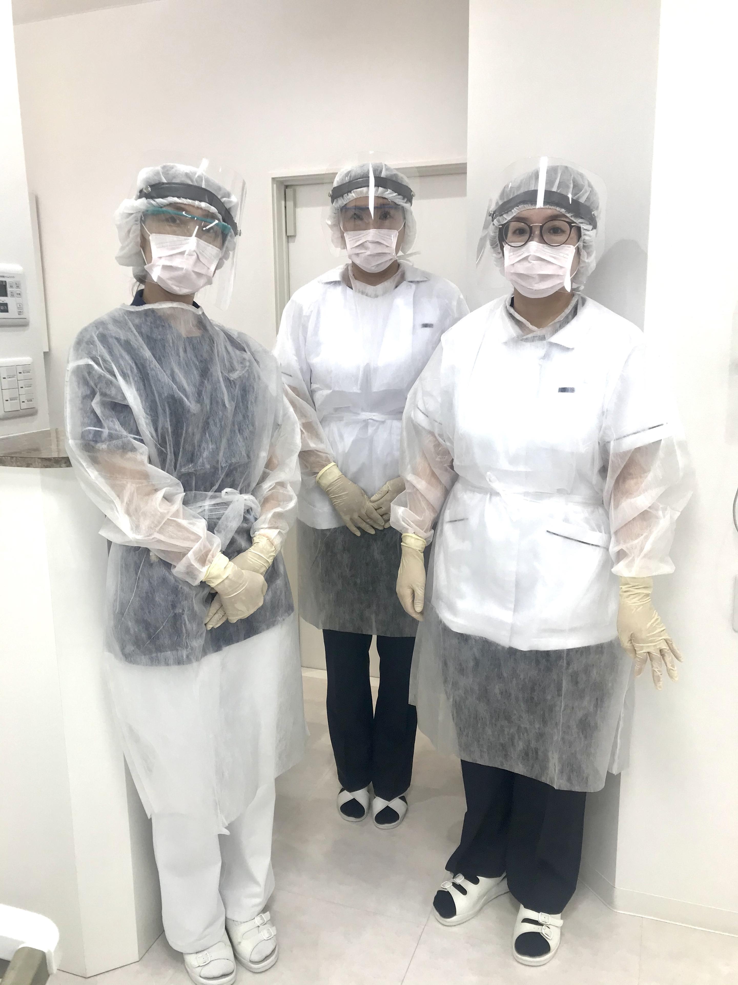 感染防護服装着姿